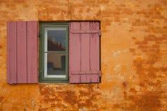 Dettaglio delle finestre di vecchie case in Copenaghen immagine stock