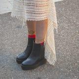 Dettaglio delle scarpe fuori della costruzione della sfilata di moda di Etro a Milano, AIS Immagini Stock Libere da Diritti