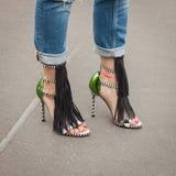 Dettaglio delle scarpe fuori delle sfilate di moda di Jil Sander che costruiscono per la settimana 2014 del modo di Milan Women Fotografia Stock