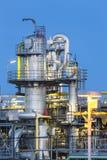 Dettaglio dello stabilimento chimico alla notte Fotografia Stock