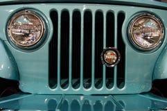 Dettaglio di Jeep Jeepster Grill fotografia stock libera da diritti