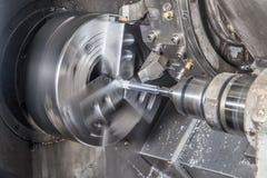 Dettaglio di macinazione sulla macchina per il taglio di metalli Fotografia Stock Libera da Diritti