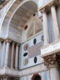 Dettaglio di marmo colorato della basilica di St Mark, Venezia, Italia fotografia stock libera da diritti