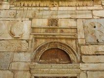 Dettaglio di Stoneworl bizantino, piccola chiesa della metropoli, Atene, Grecia fotografia stock