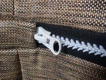 Dettaglio di una chiusura lampo su un tessuto Fotografia Stock Libera da Diritti