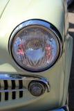 Dettaglio di una parte anteriore d'annata dell'automobile Immagine Stock