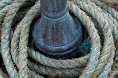 Dettaglio di vecchia corda marittima Immagini Stock