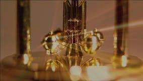 Dettaglio di vecchio orologio dell'oro video d archivio