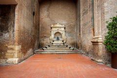 """Dettaglio edificio di Arengo del dell di Palazzo """"sul quadrato di Cavour della piazza a Rimini, Italia fotografie stock libere da diritti"""