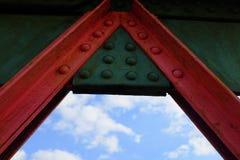 dettaglio a forma di una dell'industria siderurgica dal ponte ferroviario, Southampton immagine stock libera da diritti