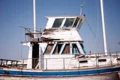 Dettaglio incrinato vecchio della barca Immagine Stock