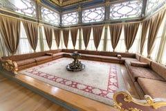 Dettaglio interno cortile dell'interno di Sofa Kiosk dal quarto del palazzo di Topkapi, Costantinopoli, Turchia fotografie stock