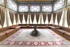 Dettaglio interno cortile dell'interno di Sofa Kiosk dal quarto del palazzo di Topkapi, Costantinopoli, Turchia fotografia stock