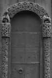 Dettaglio medievale della chiesa della doga di Lom Simbolo di Viking Turismo della Norvegia fotografia stock
