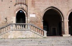 Dettaglio Rimini dell'entrata di Arengo del dell di Palazzo fotografia stock