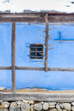 Dettaglio rumeno blu tradizionale della casa dell'argilla Fotografia Stock Libera da Diritti