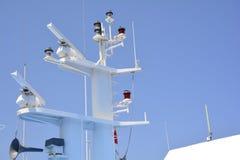 Dettaglio sparato dei radar di un traghetto Fotografia Stock