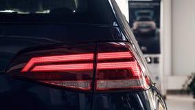 Dettaglio sulla luce posteriore di un'automobile Dettaglio dell'automobile La luce dei freni posteriore dell'automobile sviluppat immagine stock