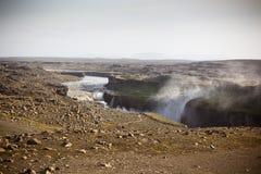 Dettifoss vattenfall i Island på mulet väder Arkivfoton