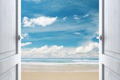 Deur aan strand Royalty-vrije Stock Fotografie