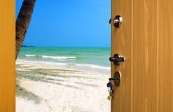 Deur aan strand Royalty-vrije Stock Afbeelding