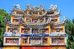 Deur Art In Hue Imperial City, de Werelderfenis van Unesco van Vietnam stock foto's
