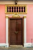 Deur bij de Oude Bouw in Chinees-Portugese stijl Royalty-vrije Stock Foto's