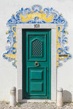 Deur met typische Portugese tegel Royalty-vrije Stock Foto's