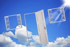 Deuren en vensters in de hemel stock afbeelding