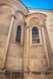 Deuren met architecturaal kolommen en venster Stock Afbeeldingen