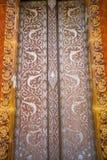 Deuren van kerk in tempel, Thailand Stock Afbeelding