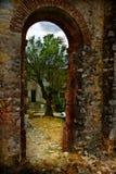 Deuropening bij oude ruïnes Royalty-vrije Stock Foto