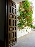 Deuropening in Palacio DE Viana in Cordoba, Spanje stock foto