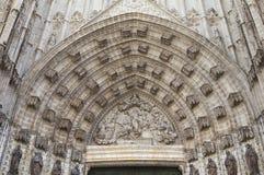 Deuropening van de kathedraal van Sevilla, Spanje Stock Fotografie