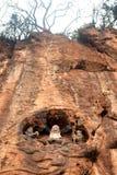 Deus chinês na montanha do penhasco perto de Dragon Gate foto de stock
