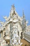 Deus da estátua da morte no templo de Rong Khun imagens de stock