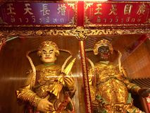 Deus de Virulhaka e deus de Virupaksa em Dragon Kammalawat Temple imagens de stock