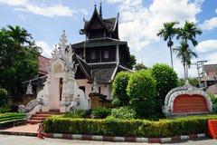 Deus do budismo do templo de Tailândia da Buda de Wat Chedi Luang Chiang Mai fotos de stock royalty free