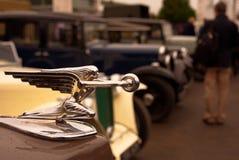 A deusa da velocidade, mascote 1957 Packard 120 da capota/capa ostenta o cupê Foto de Stock Royalty Free