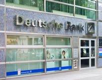 Deutsche bankfilial i Berlin Arkivbilder