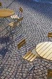 Deutsche Cafésitzplätze im Freien Stockfotografie