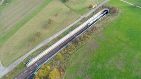 Deutsche EIS-Hochgeschwindigkeitszugbahnstrecke stock footage