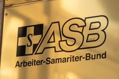 Deutsche Promenade ASB Arbeiter Samariter lizenzfreie stockbilder