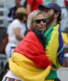 Deutsche und brasilianische Sportfreunde während des Rios 2016 Olympische Spiele am Olympiapark Lizenzfreie Stockbilder