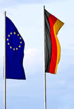 Deutsche und europäische Markierungsfahne Stockfoto
