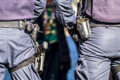 Deutscher Bundespolizeibeamte, der die Stadt schützt stockfoto