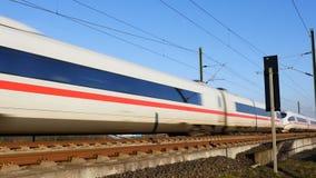 Deutscher EIS-Hochgeschwindigkeitszug stock video