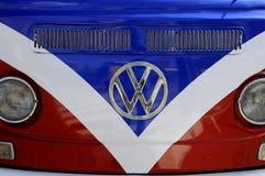 DEUTSCHER KLASSIKER-VW VAN Stockfotos