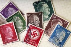 Deutscher Krieg stempelt - Adolph Hitler - Hakenkreuz Lizenzfreies Stockfoto