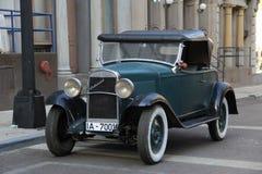 Deutsches altes Auto Chevrolet Stockbilder